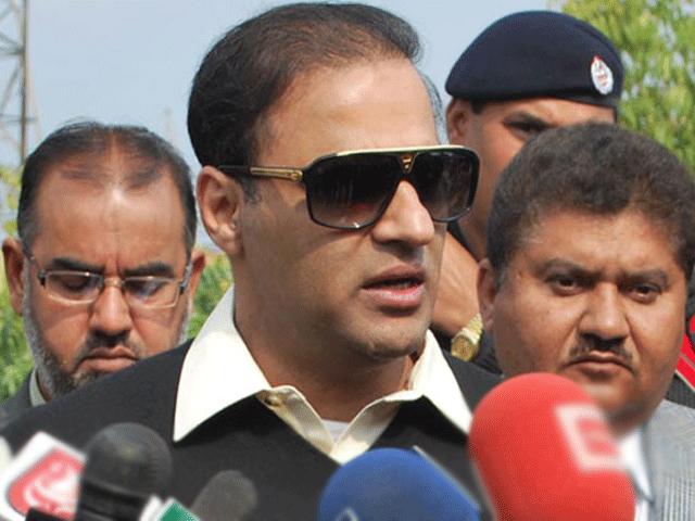 آئندہ انتخابات میں زرداری ٹولے کو مکمل ڈرائی کلین کریں گے، عابد شیر علی۔ فوٹو: فائل