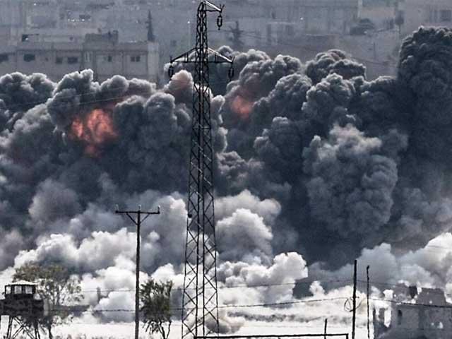 امریکی حملے میں شامی فضائیہ کے کئی طیارے تباہ ہوئے اور ایئر بیس کے بنیادی ڈھانچہ کو بھی نقصان پہنچا، عرب میڈیا. فوٹو: فائل