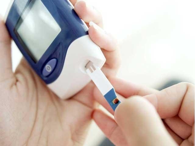 وزن قابومیں رکھنے کے لیے روز30 منٹ چہل قدمی زندگی کاحصہ بنائیں، ماہر طب، فوٹو؛ فائل