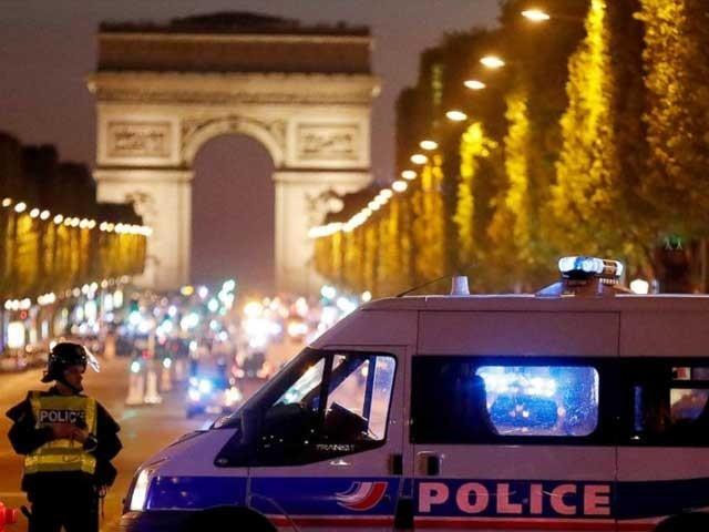 فرانسیسی صدر نے واقعہ کو دہشت گردی قرار دے دیا. فوٹو: انٹرنیٹ