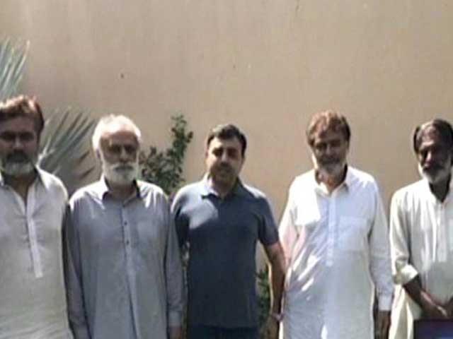 بازیاب پانچوں افراد کو کراچی منتقل کردیا گیا ہے، پولیس: فوٹو: اسکرین گریب