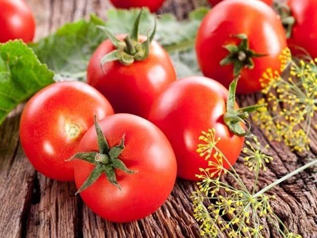 ٹماٹر کو سرخ رنگت دینے والا جزو معدے کے کینسر میں مفید ثابت ہوا ہے، ماہرین، فوٹو؛ فائل