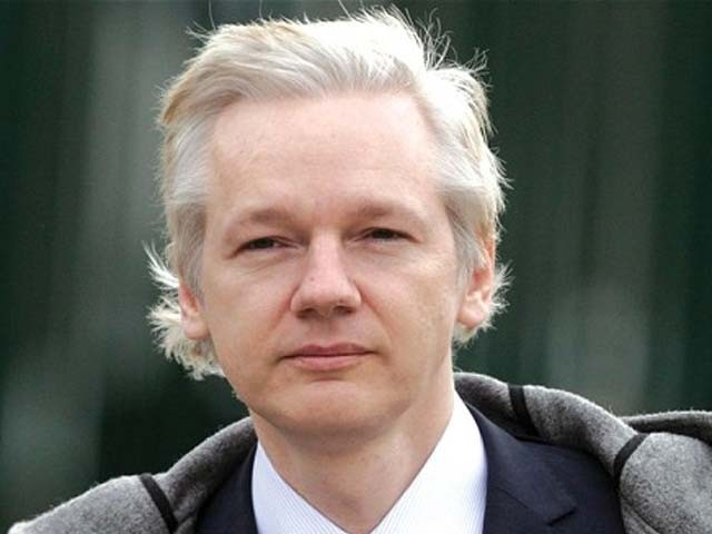 جولین اسانج 2012ء سے لندن میں ایکواڈورکے سفارتخانے میں پناہ لیے ہوئے ہیں، خبر ایجنسی۔ فوٹو: فائل