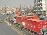 سندھ ہائیکورٹ نے 31 مارچ کو کراچی میں ہیوی ٹریفک کے داخلے پر پابندی عائد کردی تھی فوٹو: فائل