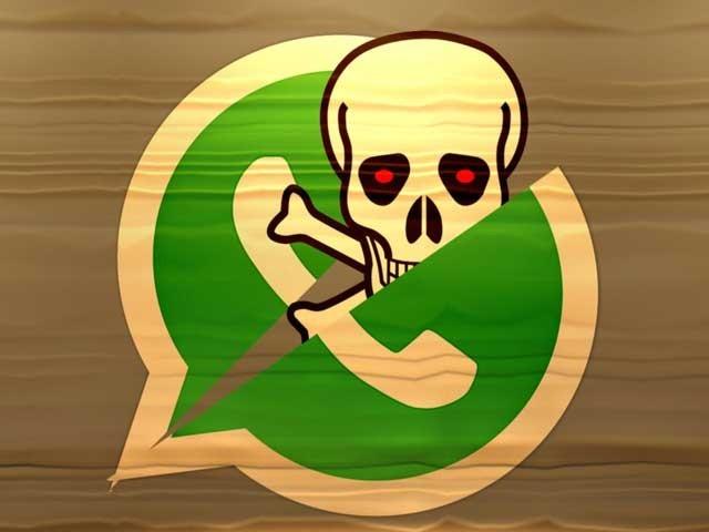 ہیکروں کا گروپ واٹس ایپ پر جعلی پیغامات کے ذریعے صارفین کو خوفزہ کرکے ان سے رقم اینٹھنے اور ان کے اکاؤنٹس ہیک کرنے میں مصروف ہے۔ (فوٹو: فائل)