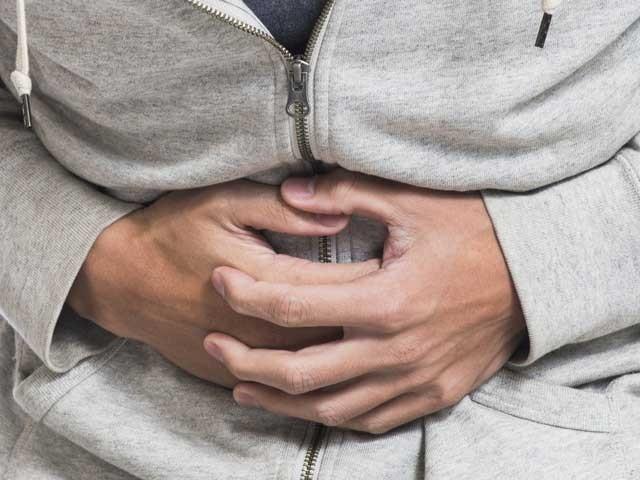 اگر ہیضے میں الٹی اور دست جیسی کیفیات نہ ہوتیں تو یہ بیماری آج کے مقابلے میں کئی گنا زیادہ خطرناک اور ہلاکت خیز ہوتی۔ (فوٹو: فائل)