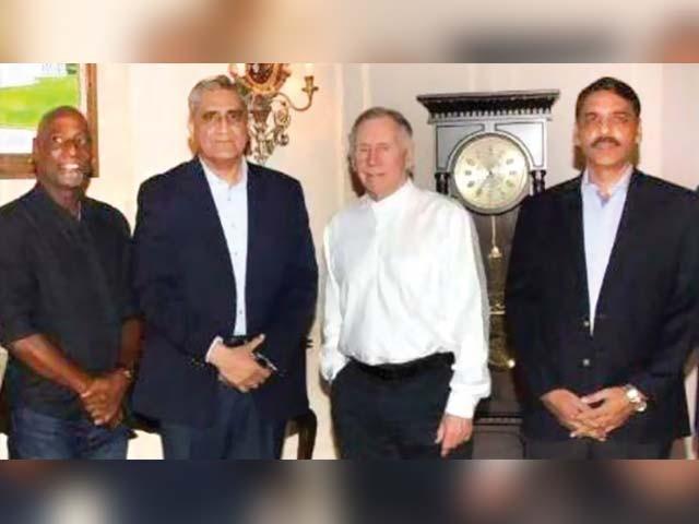 پاکستان کا دورہ کرنے پر آرمی چیف نے ان کا شکریہ بھی ادا کیا۔ فوٹو : آئی ایس پی آر