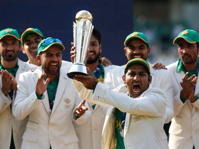 پاکستان کے 338 رنز کے جواب میں بھارتی ٹیم صرف 158 رنز ہی بناسکی۔ فوٹو: آئی سی سی