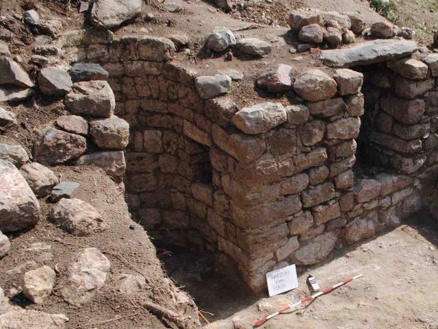 ہرلا کی ایک مسجد جو 12 ویں صدی عیسوی میں تعمیر کی گئی تھی۔ فوٹو: بشکریہ یاہو