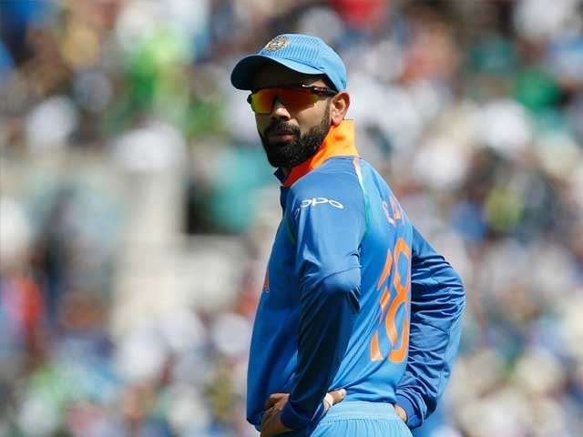 بھارتی حکومت کرکٹ ٹیم کے تمام کھلاڑیوں پر کرکٹ کھیلنے پر زندگی بھر کے لیے پابندی عائد کرے، بھارتی اداکار۔ فوٹو : فائل