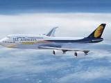 جیٹ ایئرویز نے دوران پرواز پیدا ہونے والے بچے کیلیے پوری عمر مفت سفری پاس دینے کا اعلان کیا ہے۔ فوٹو: فائل