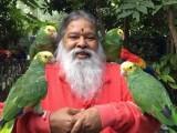 گناپتی ششیدانندا پرندوں سےبہت محبت رکھتے ہیں۔ فوٹو: فائل
