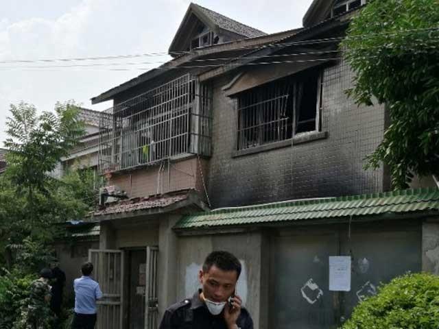 پولیس نے آگ لگانے میں ملوث مبینہ ملزم کو گرفتار کر کے تفتیش شروع کردی۔ فوٹو: انٹرنیٹ