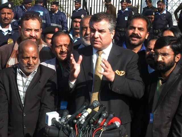 رپورٹ میں جو شواہد پیش کیے گئے انہیں پہلے دن سے ہی ردی قراردیا جارہا تھا، رہنما مسلم لیگ (ن) فوٹو: فائل