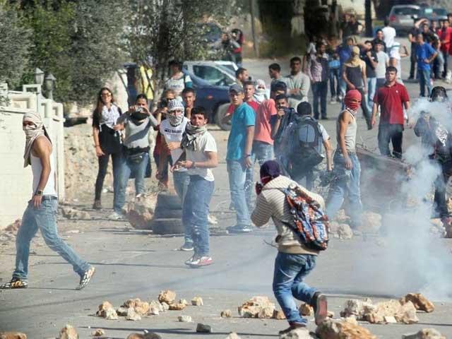 اسرائیلی پولیس نے حملے کے الزام میں 19 سالہ فلسطینی نوجوان عمر عابد کو گرفتار کیا ہے۔ فوٹو: فائل