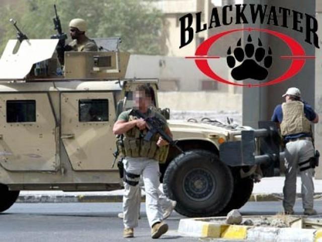 2007 میں بلیک واٹر گارڈز نے بغداد میں فائرنگ کرکے خواتین اور بچوں سمیت 14 شہریوں کو قتل کردیا تھا۔ فوٹو: فائل