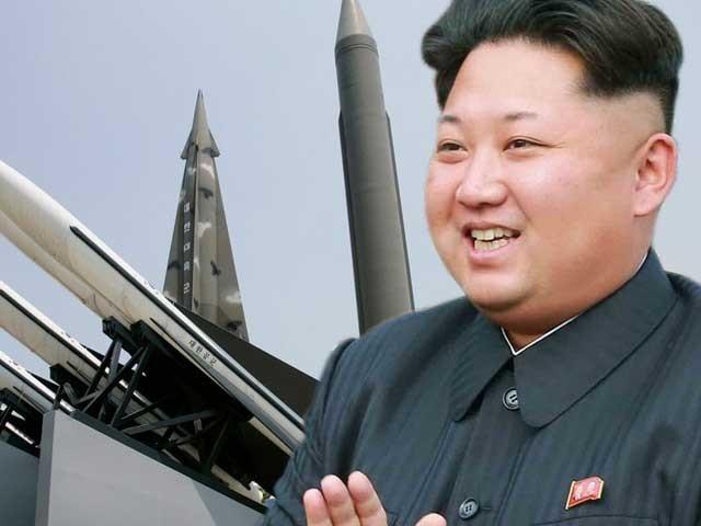 شمالی کوریائی صدر کم جونگ اُن نے دھمکی دیتے ہوئے کہا کہ ان کا ملک امریکا کو صفحہ ہستی سے مٹادے گا۔ (فوٹو: فائل)