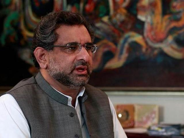 پاکستانی حکومت اور پوری عوام مقبوضہ کشمیر کے عوام کے ساتھ کھڑے ہیں،  وزیراعظم شاہد خاقان۔ فوٹو : فائل