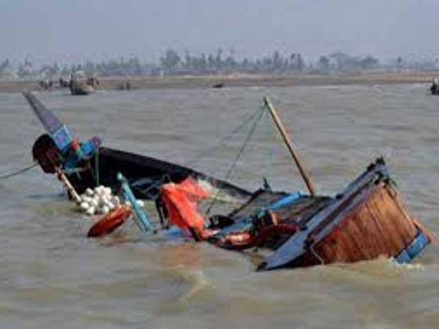 کشتی میں سوار تمام ماہی گیروں کا تعلق مبارک ولیج سے ہے، رہنما پاکستان فشر فوک فورم : فوٹو : فائل
