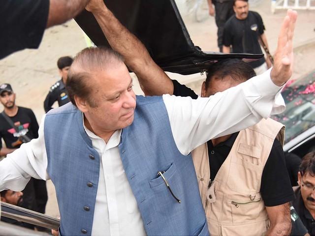 میاں صاحب آپ لاہور کے حلقے این اے 120 کو ہلکا نہ لیں، عوام کو تنگ کرکے آپ عوامی طاقت کا مظاہرہ کرکے اِس بھول میں نہ رہیں کہ آپ اِس عوام کو چاہے جتنی اذیت دے دیں، یہ ووٹ آپ کو ہی دیں گے۔