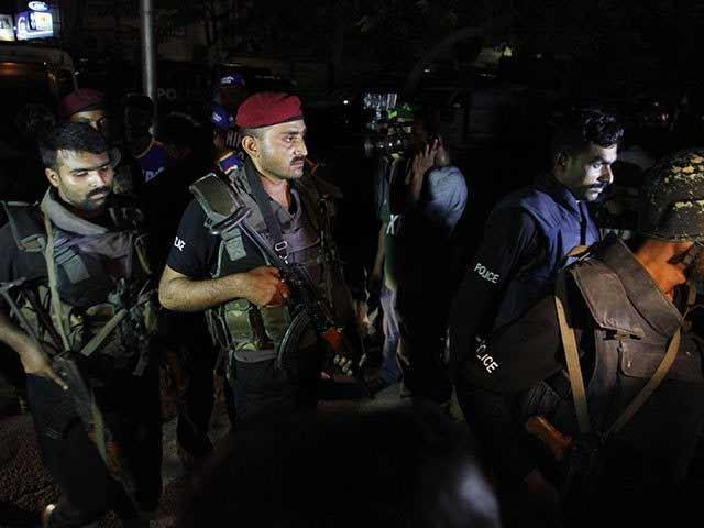سی ٹی ڈی نے جوابی فائرنگ میں 2 دہشت گردوں کو ہلاک کر دیا جبکہ ان کا ایک ساتھی فرار ہونے میں کامیاب ہوگیا۔ فوٹو: فائل