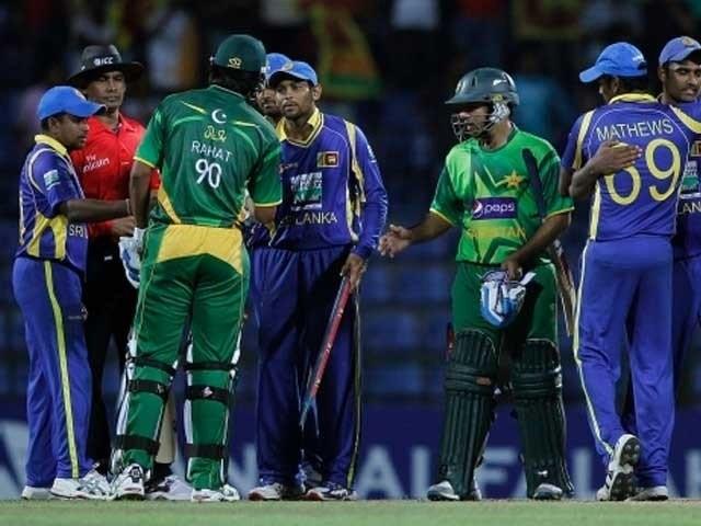 آخری بار سری لنکن ٹیم  2009میں پاکستان آئی تھی ۔ فوٹو : فائل