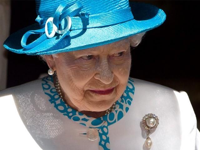 تاج شہزادہ چارلس کے سرپرسجے گا: فوٹو: اے ایف پی/فائل