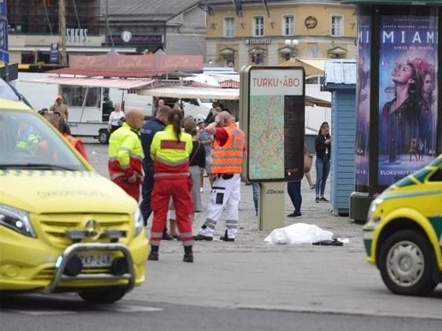 پولیس نے حملہ آور کو حراست میں لے لیا ہے، غیر ملکی خبررساں ایجنسی - فوٹو: سوشل میڈیا