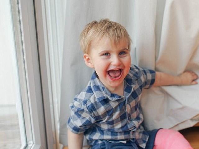 ڈیکسٹر کے والدین کو اس بیماری کے بارے میں اس وقت علم ہوا جب وہ 4 ماہ کا تھا۔ فوٹو : فائل