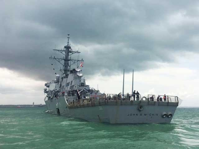 حادثے کے بعد ملائیشیا اور سنگاپور میں بحری حدود کا تنازع کھڑا ہوگیا۔ فوٹو: رائٹرز