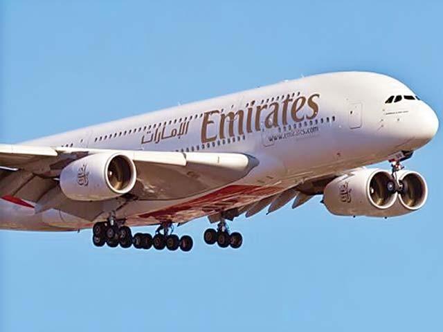پاکستانی عازمین حج بھی دبئی سے آگے جانے کیلیے اے 380 ایئرکرافٹ میں سفر کا لطف اٹھا سکیں گے۔فوٹو : فائل