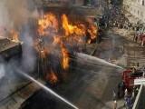 آگ لگنےکےباعث کپڑوں کے10اسٹال جل گئے؛ذرائع فوٹوفائل