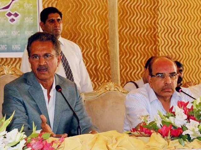 کراچی تباہ ہوچکا کوئی چیز درست نہیں، میئر کراچی وسیم اختر ۔ فوٹو:  پی پی آئی
