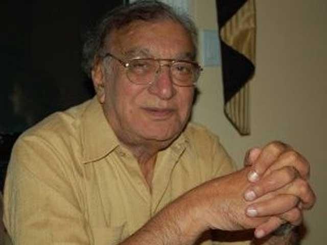 احمد فراز کو ہلال امتیاز، ستارہ امتیاز، نگار ایوارڈز اور ہلال پاکستان سے نوازا جاچکا ہے؛فوٹوفائل