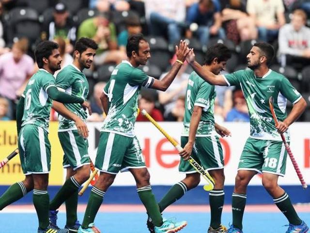 ورلڈ الیون ہاکی لاہور اور کراچی میں ایک ایک میچ کھیلے گی۔فوٹو : فائل