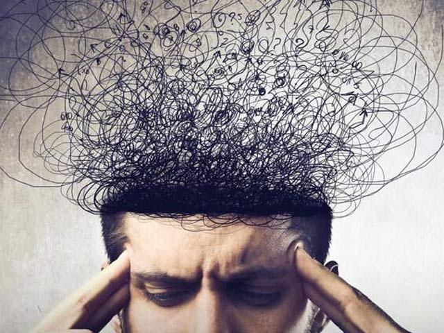 ماہرینِ نفسیات نے پریشان خیالی سے چھٹکارا پانے کے تین اہم طریقے بیان کئے ہیں۔ فوٹو: فائل