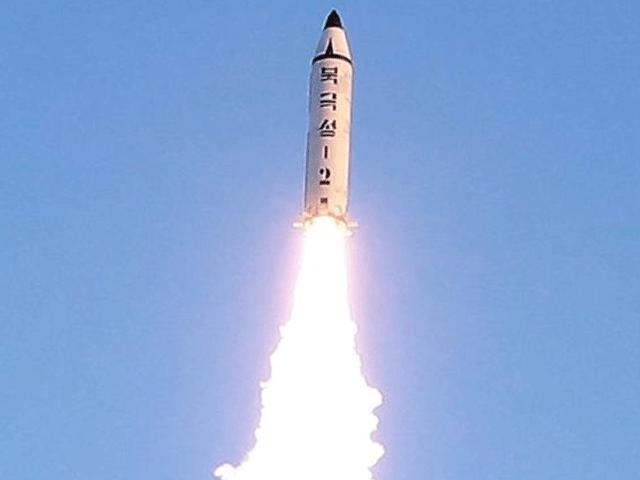 امریکا اور شمالی کوریا کے درمیان کشیدگی میں مسلسل اضافہ ہورہا ہے۔ فوٹو: فائل