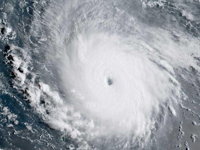 کٹیگری 4 کے تازہ ترین طوفان کا نام ''ارما'' ہے جو امریکی ریاستوں میں تباہی پھیلاتا ہوا آگے بڑھ رہا ہے۔ (فوٹو: فائل)