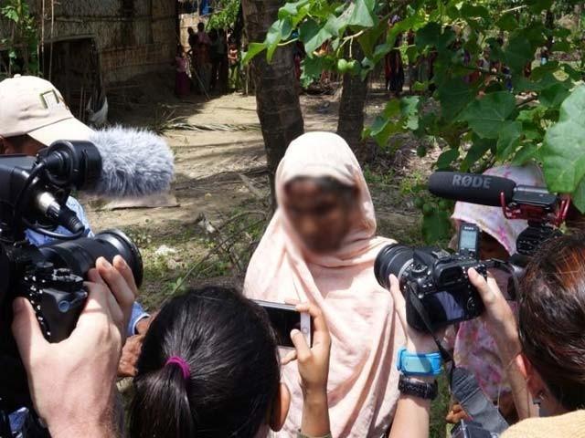 کسی شورش زدہ علاقے میں کسی صحافی کا جانا ہرگز کوئی انوکھا یا جان جوکھوں میں ڈالنے والا کام نہیں۔ ایک فوجی کےلیے جنگ لڑنا اور ایک صحافی کےلیے جنگ کی رپورٹنگ کرنا ان کے کام کا حصہ ہیں۔ فوٹو: فائل