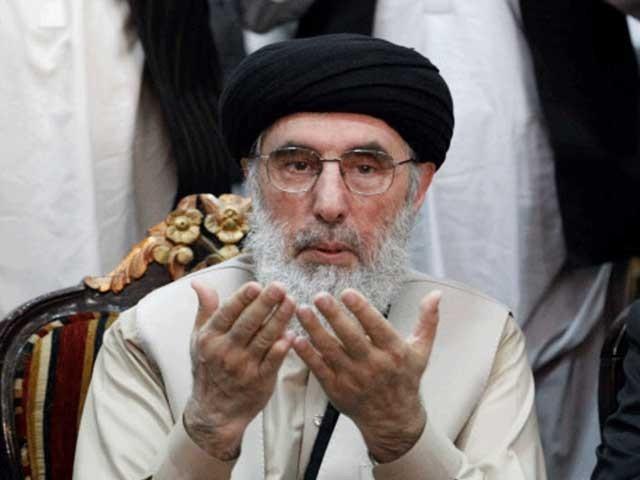 گلبدین حکمت یار اپنی خودساختہ جلاوطنی ختم کرکے اسی ہفتے افغانستان واپس پہنچے ہیں۔ (فوٹو: فائل)