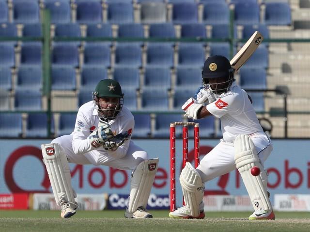 پاکستان کی شاندار بولنگ کی وجہ سے دوسری اننگز میں سری لنکن ٹیم مشکلات کا شکار رہی۔ فوٹو : اے ایف پی