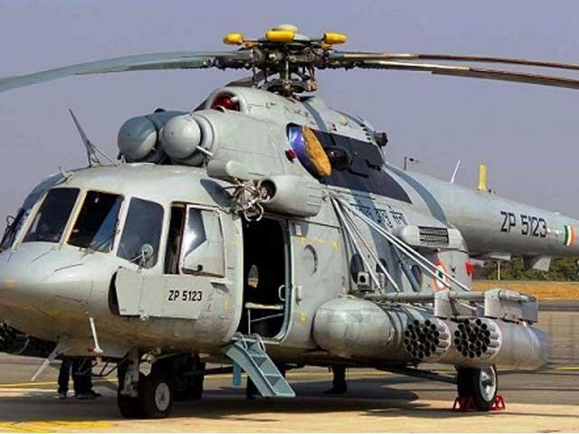 ہیلی کاپٹر میں 6 افراد سوار تھے جن میں سے صرف ایک شخص شدید زخمی حالت میں ملا جبکہ باقی ہلاک ہوگئے۔ فوٹو: فائل