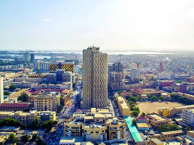 خطے میں کم قیمتوں کے حوالے سے 5 بڑے شہروں میں بھی کراچی کا نمایاں مقام ہے، رپورٹ۔ فوٹو : فائل
