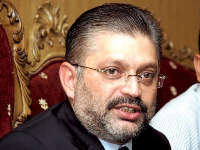شرجیل انعام میمن پر محکمہ اطلاعات سندھ میں 6 ارب روپے کرپشن کا الزام ہے۔ فوٹو: فائل