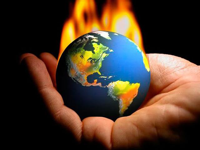 سائنس دانوں کا کہنا ہے کہ ہم اپنے طرز زندگی سے دنیا کا درجہ حرارت بڑھا رہے ہیں، فوٹو : فائل