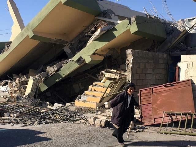 دو امریکی ماہرین نے کہا ہے کہ جب جب زمین کی گردشی حرکت مدھم پڑتی ہے، اس کے اگلے چند برس تک کرہِ ارض پر ہولناک زلزلے رونما ہوتے ہیں اور اگلے سال زیادہ زلزلے رونما ہوسکتے ہیں جس کی ایک مثال ایران و عراق میں رونما ہونے والا حالیہ زلزلہ بھی ہے۔ (فوٹو: فائل)