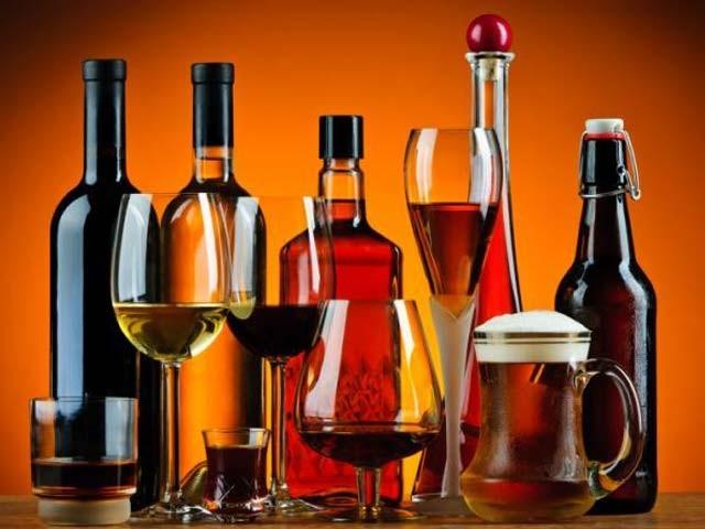 جتنی شراب نوشی بڑھے گی کینسر کے خطرات اتنے ہی بڑھتے جائیں گے، امریکی ماہرین ۔ فوٹو: فائل