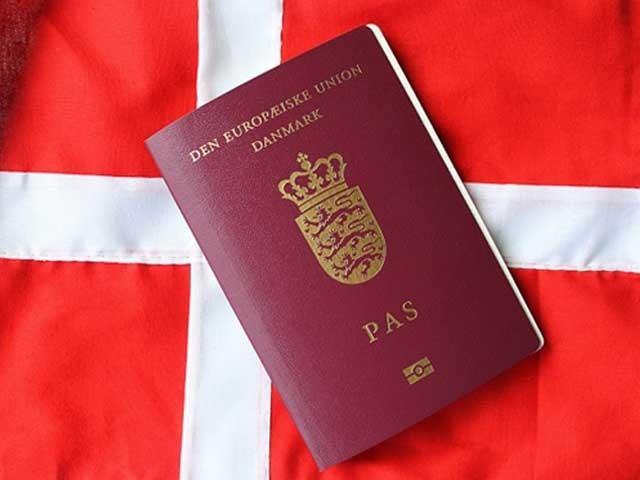 پاکستان اور ڈنمارک کے درمیان دوہری شہریت کا معاہدہ طے پاگیا۔ فوٹو: فائل