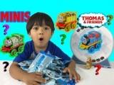 ریان یوٹیوب ویڈیو بنانے کے شوقین ہیں اور وہ کھلونوں پر تبصروں سے ہر ماہ کروڑوں روپے کما رہے ہیں۔ فوٹو: ریان ٹوائز چینل یوٹیوب