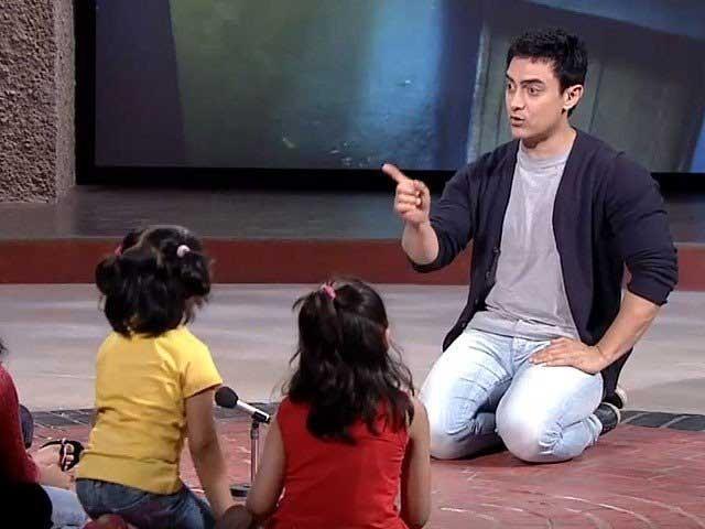 بچوں کو ہر طرح کے خطرے سے آگاہ کرنے کے باوجود ان کی حفاظت کی ذمہ داری والدین کی ہے؛ عامر خان